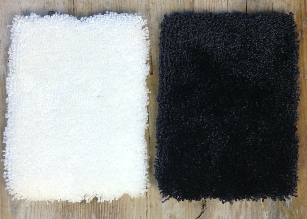 alfombra Queen blanca y negra