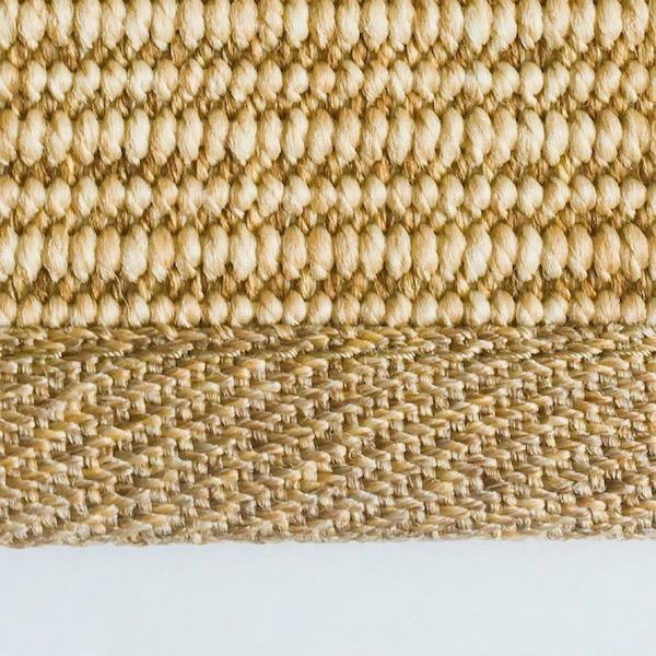 STRONG (remate de 2,5 cm con esquinas ingleteadas, 100% Olefina. Resistente, facil de limpiar, se puede mojar. Apto para exterior.)